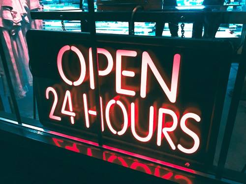 公司是否有二十四小時營業-如何選擇搬家公司-大愛專業搬家公司