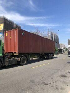 新北市搬家案例.拆兩個貨櫃與搬運-協助客戶進行外國進口特殊家具組裝1
