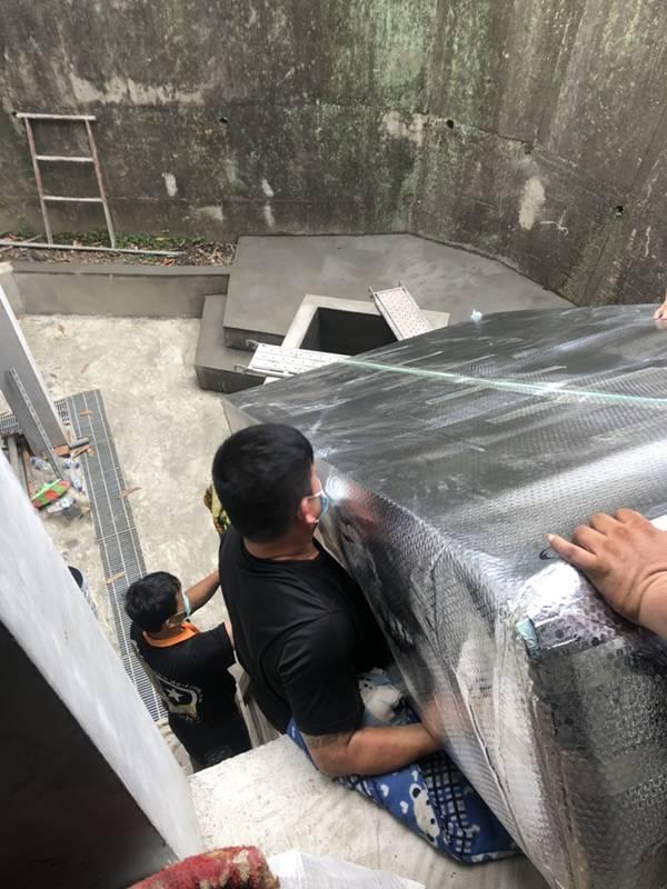 新北市搬家案例.拆兩個貨櫃與搬運-協助客戶進行外國進口特殊家具組裝7
