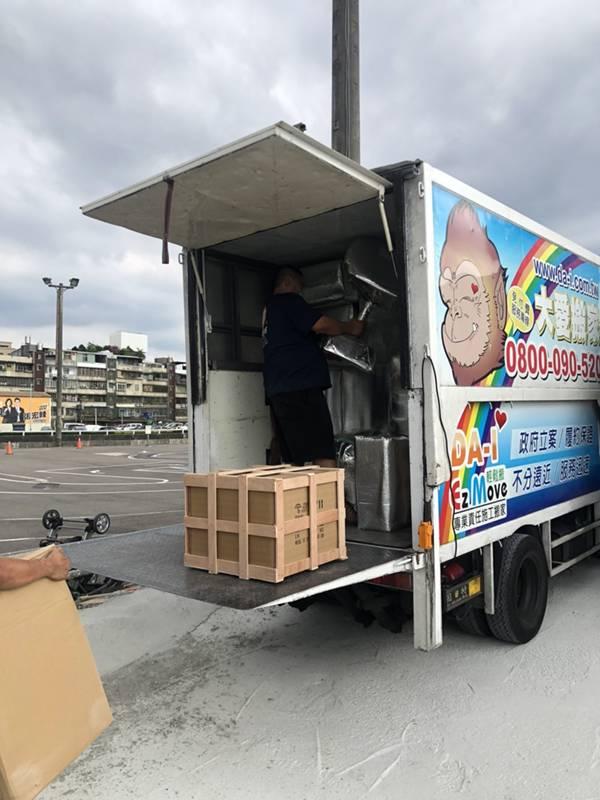 新北市搬家案例.拆兩個貨櫃與搬運-協助客戶進行外國進口特殊家具組裝9